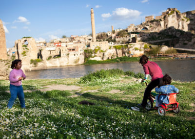 Young girls play along the Tigris river in Hasankeyf.